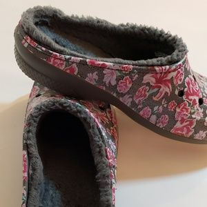 Floral Dual Comfort Crocs with Fuzzy Lining